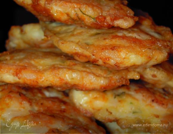 Шницель по-венециански с лёгким салатиком из кукурузы