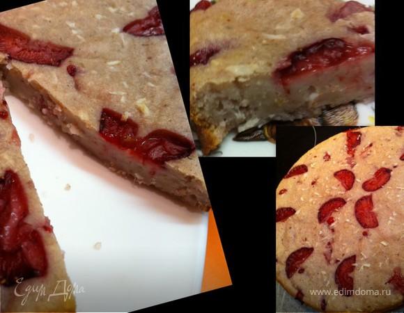 Клубнично-кокосовый пирог с рикоттой и кускусом