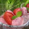 Творожно-клубничное мороженное.