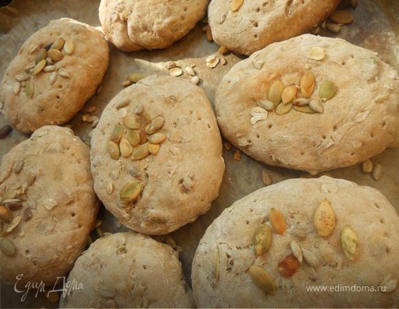 Хлеб (цы) с семечками и овсяными хлопьями