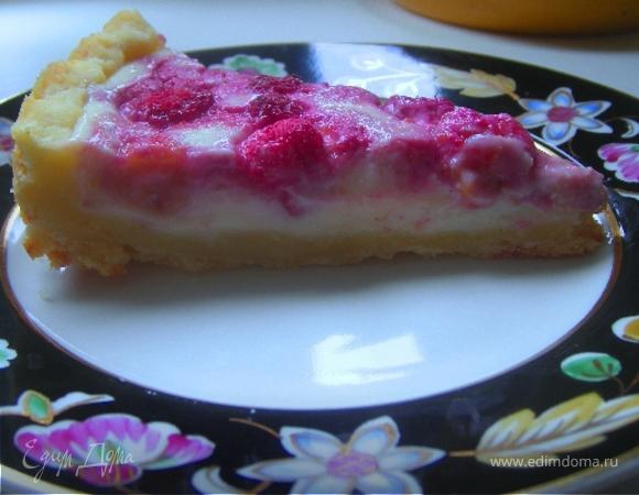 Творожный тарт с малиной и заварным кремом