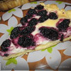 Тарт с шелковицей и творожным пудингом.