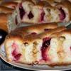 Пирог со сливой и яблоком