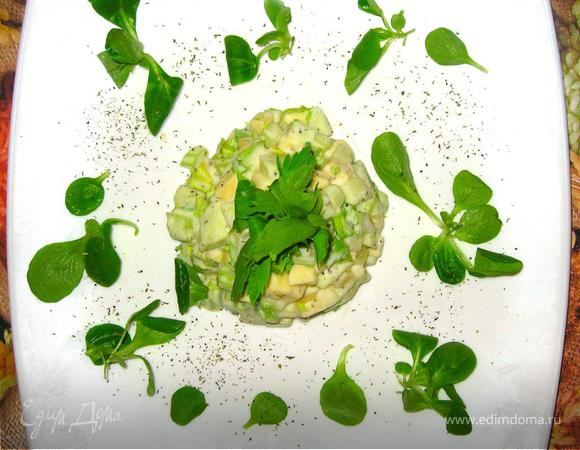 """""""Уроки французского"""" – Пикантный салат с сельдереем, Морской окунь в прованском стиле, Малиновый крамбль"""