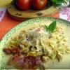 Фарфалле с пикантным сливочно-куриным соусом