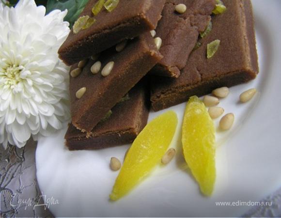 Шортбред с мятным шоколадом, папайей и кедровыми орешками