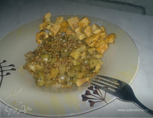 Гречетто вариант номер четыре с корнем сельдерея и шалотом + грудка индейки с французской горчицей и эстрагоном.
