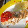 Рыба, запечённая с луком в фольге