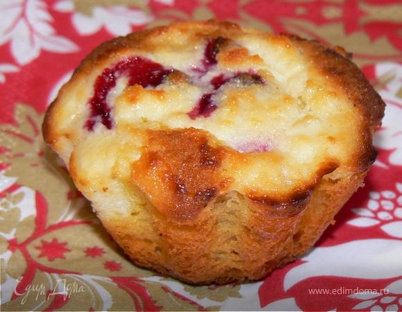 Кукурузное пироженное с творожно-брусничной начинкой