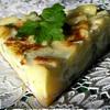 Тортилья с луком, чесноком и зеленым горошком