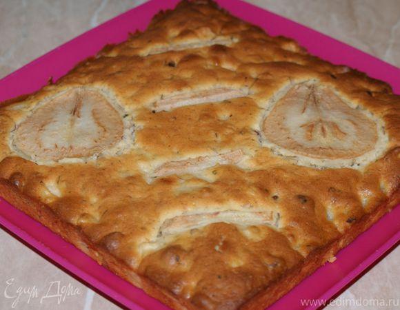 Грушевый пирог с мятой и фундуком