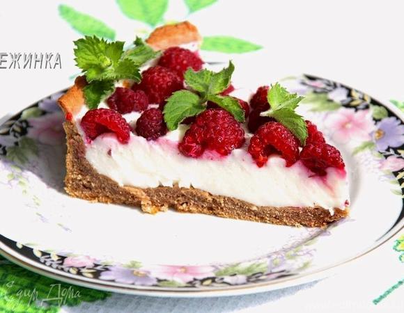 Шоколадно-творожный тарт-суфле с малиной
