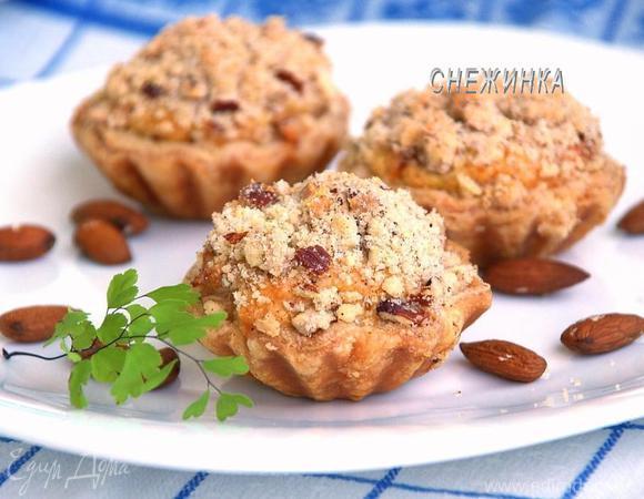 Яблочные пирожные из слоеного теста с ванильным заварным кремом и ароматным штрейзелем