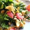 Салат со шпинатом, авокадо и грейпфрутом с дрессингом из папайи
