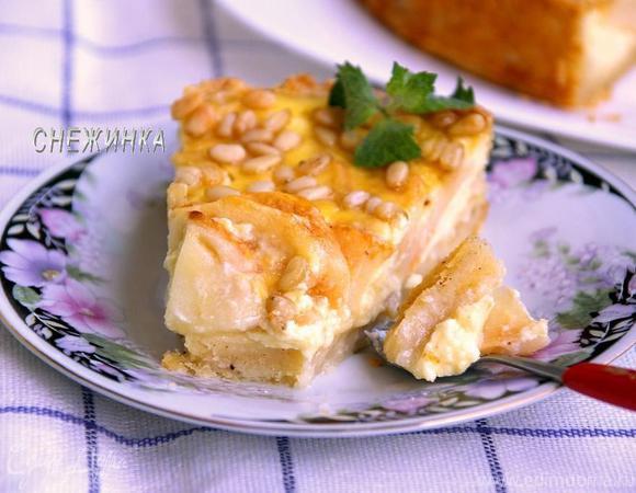 Яблочный пирог в заливке с кедровыми орешками. «HomeQueen Corporation»