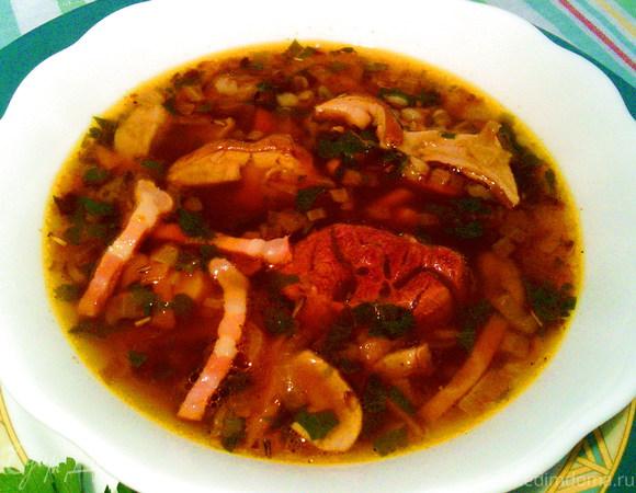Гречневый суп с белыми грибами и беконом
