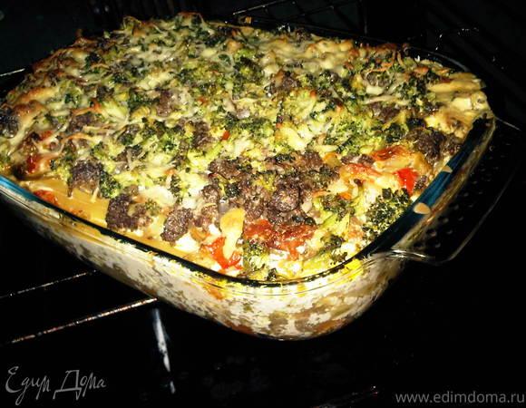 Макаронная запеканка с овощами и фаршем в сливочно-овощном соусе