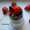 Ванильная панна котта с ягодным соусом и базиликом
