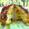 Запеченная цветная капуста с йогуртово-мятным соусом