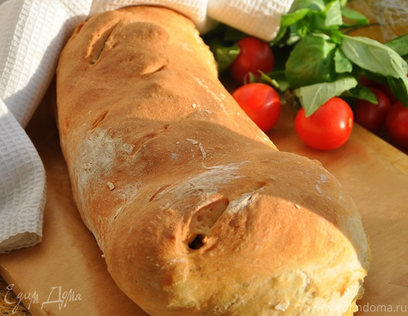 Тосканский пресный хлеб с рулетом из ягнятины