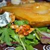 Салат с карамелизованной грушей и сыром рокфор