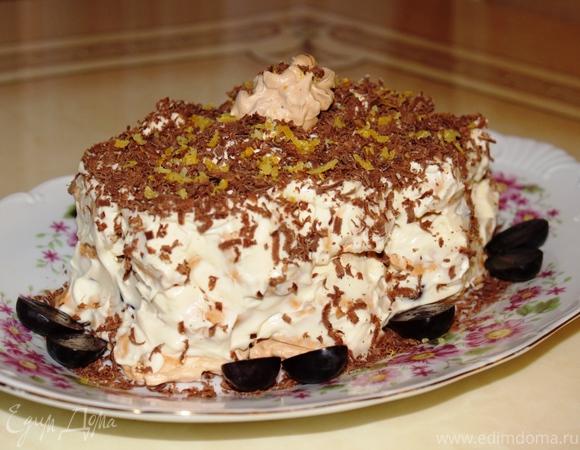 Меренговый торт с маскарпоне и виноградом