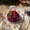 Салат из маринованной красной капусты с яблоком и гранатом