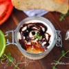 Мини-тирамису с томатным чатни и бальзамическим сиропом