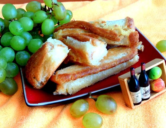 Хлебные сырные трубочки