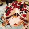 """Шоколадный торт """"Павлова"""" с ягодами"""