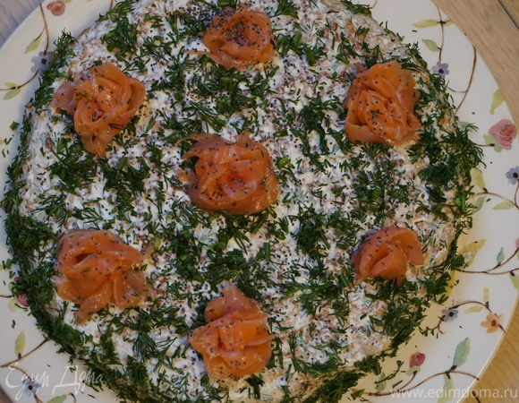 Рыбный пирог на гречневых блинах