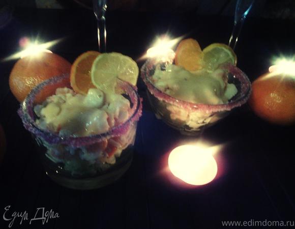 Коктейль из морепродуктов с розовым соусом