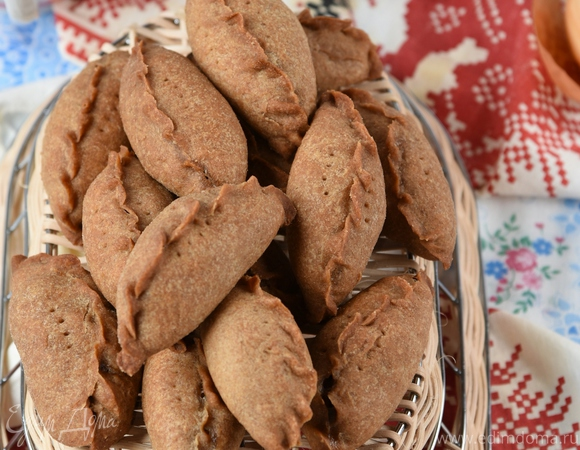 Постные пирожки с маринованными опятами