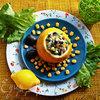 Рыбный салат в лимоне