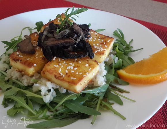 Тёплый салат с сыром, запеченый в апельсиновом соке