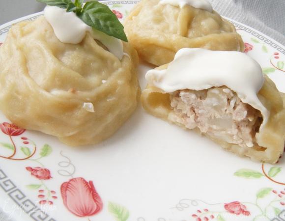 Манты со свининой и картофелем