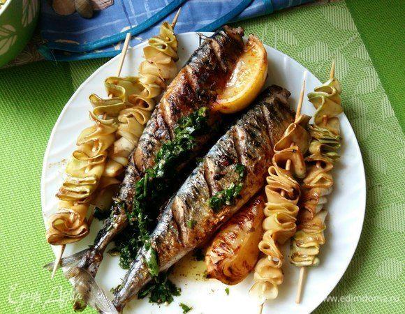 Скумбрия с кабачками и соусом из петрушки
