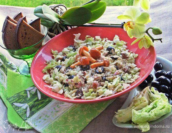 Салат с опятами и курицей