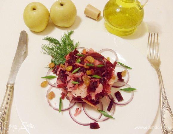 Салат из квашеной капусты и моченых яблок