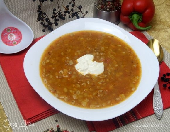 Суп с перловкой и томатами