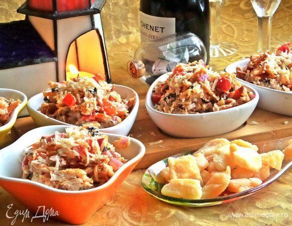 Салат с лососем и пармезаном