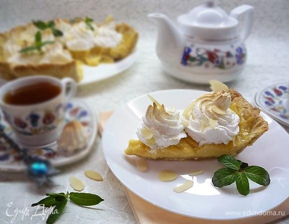 Ореховый пирог с карамельным кремом и меренгой