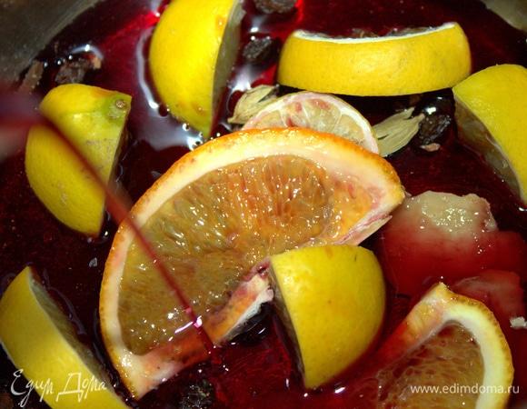 Глинтвейн с лаймом и апельсином