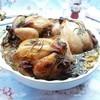Цыплята-корнишоны с шампиньонами на фруктовой подушке