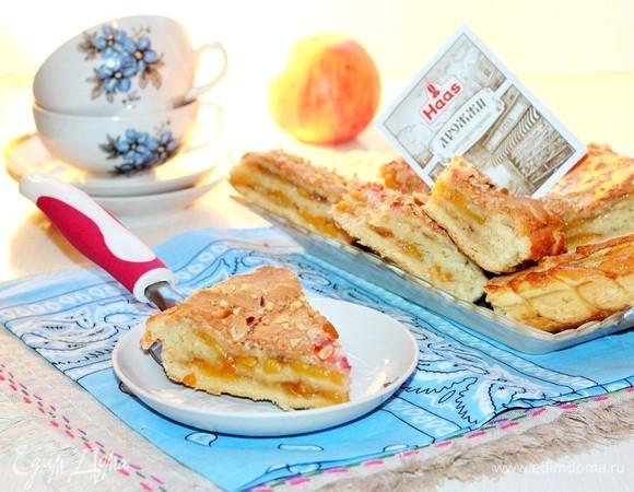Пирог с персиками и безе