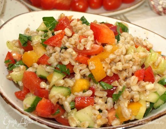 Салат из полбы с овощами