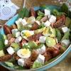 Салат с лососем, авокадо и брынзой