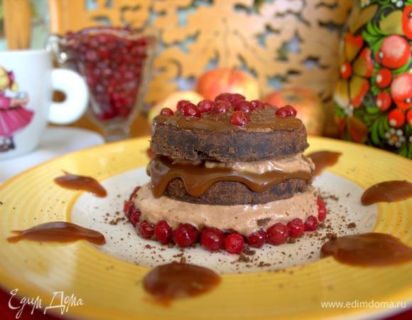 Шоколадно-карамельное пирожное