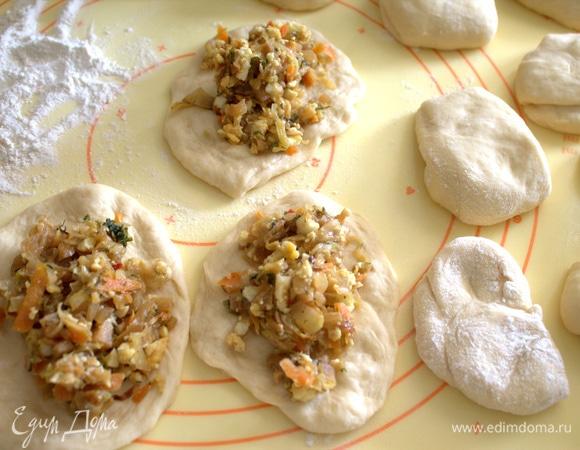 Пирожки с капустой и яйцом