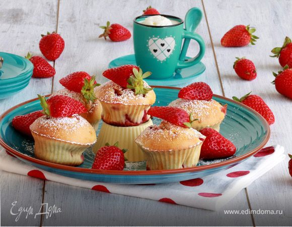 Клубничное настроение: пять десертов из свежей клубники